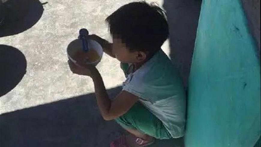 圖/翻攝自《中國青年報》 女童營養午餐碗裡只有菜汁!真相懂事得讓人心疼