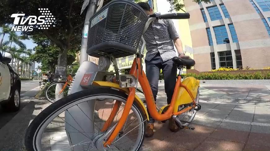 圖/TVBS 自行車擬開放成人載童  7成民眾憂人車爭道