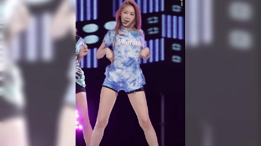 韓女團熱舞上衣越掀越高! 網友看傻眼