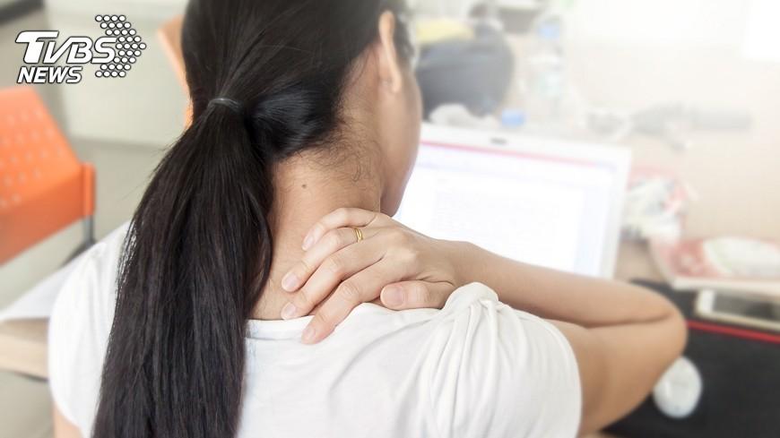 示意圖/TVBS 婦頭暈胸悶 原來是頸椎椎間盤突出