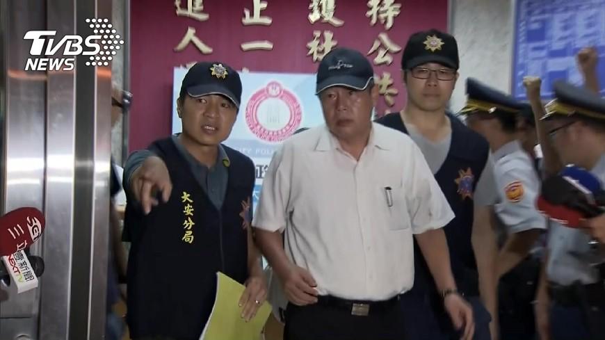 圖/TVBS 甩棍打台大學生3傷 警逮統促黨成員