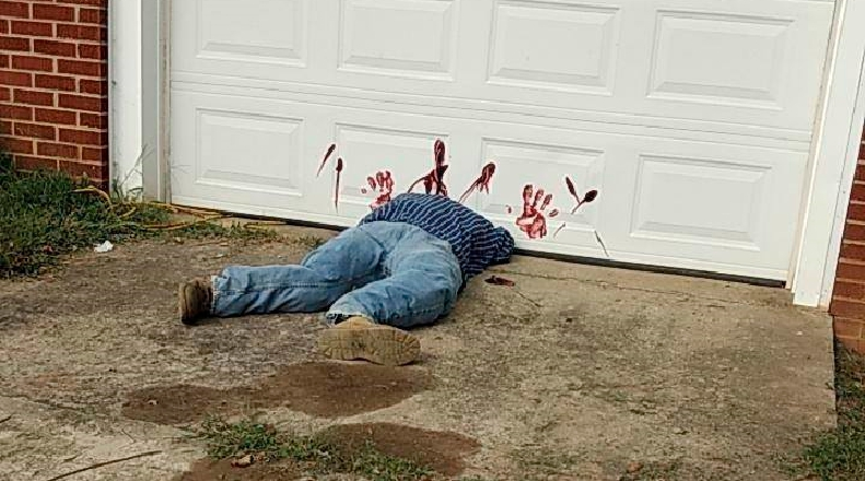 圖/達志影像美聯社 身體被切斷還有血手印!警:民眾請不要報案