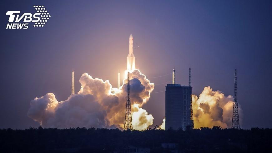 推射長征五號火箭殘骸 預計10點進入大氣層