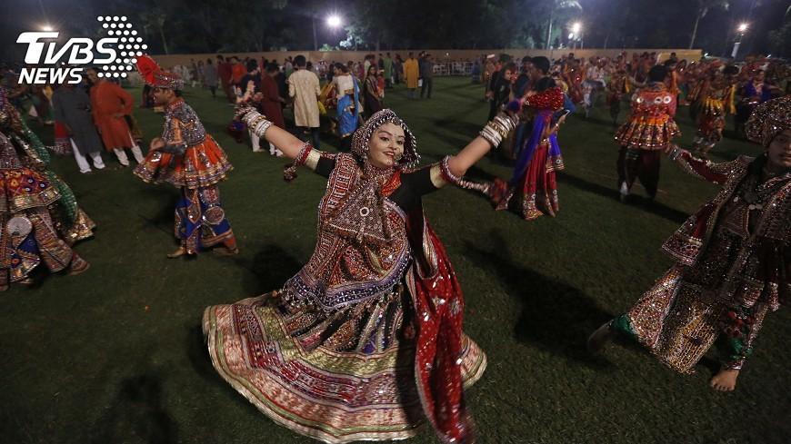 圖/達志影像美聯社 印度賤民看節慶舞蹈表演 慘遭活活打死