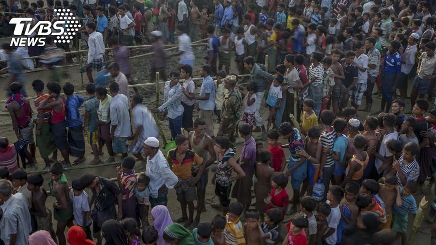 圖/達志影像美聯社 傳洛興雅萬人聚集邊境 出逃人數再擴大
