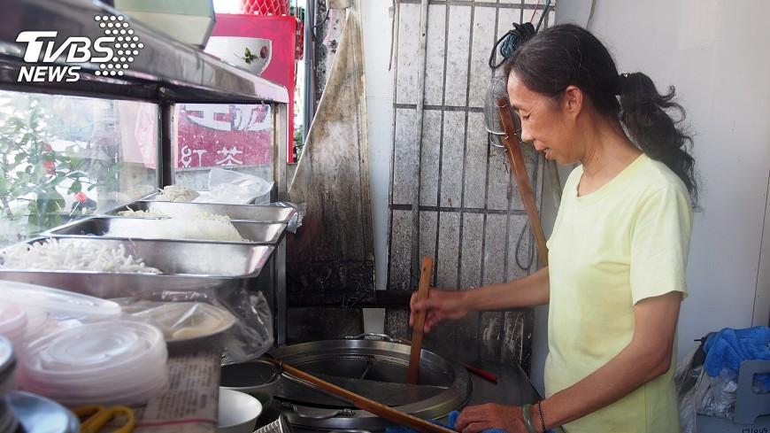 圖/中央社 台東這家無名麵店 募逾2千碗麵助人