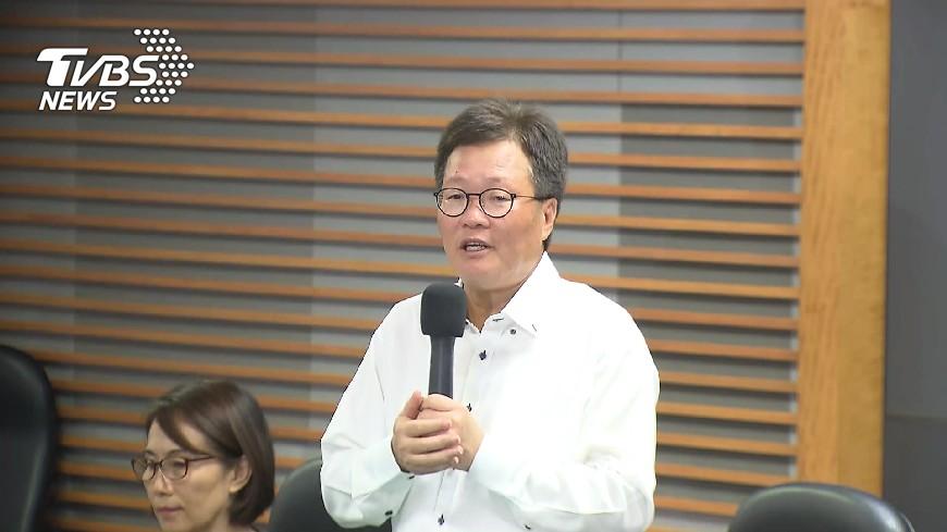 圖/TVBS 陳金德就職 擬參選縣長者多數未出席