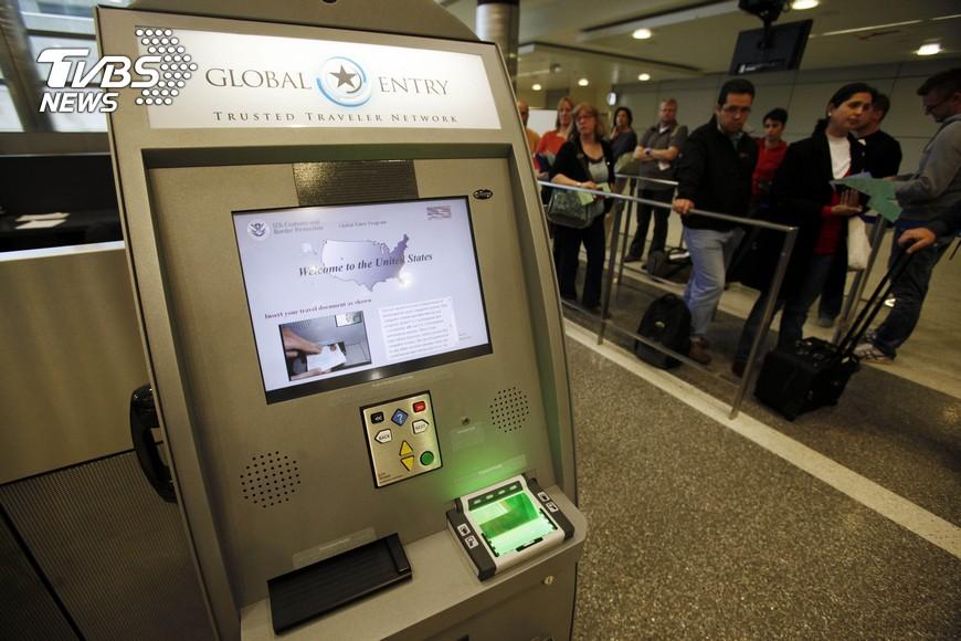 圖/達志影像美聯社 11月起赴美享快速通關! 明起登機會問保安問題