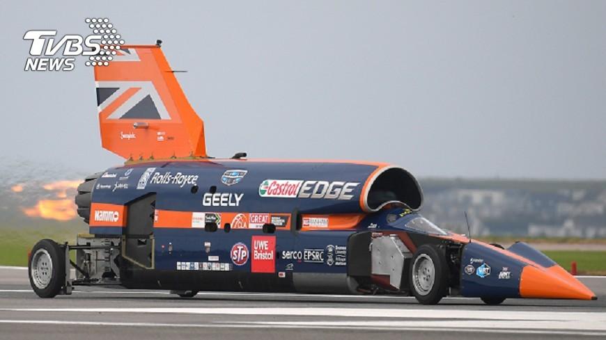 圖/達志影像路透社 超音速車機場測試 9秒急速飆320公里
