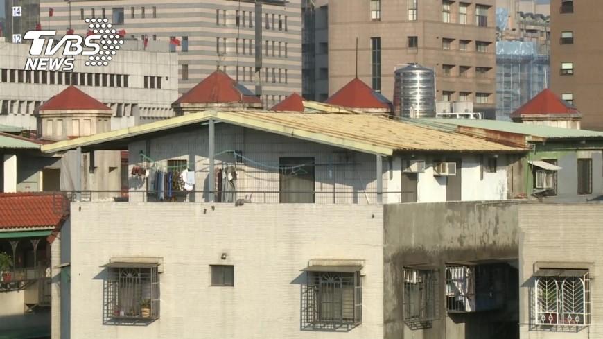 圖/TVBS 百餘件頂樓違建不改善 北市12/15強拆