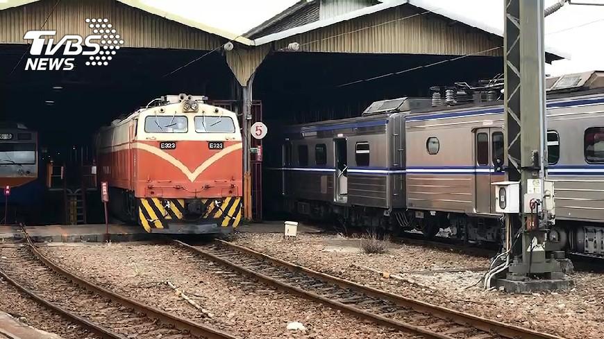 圖/TVBS 台鐵貨運列車出軌 查出司機員酒駕