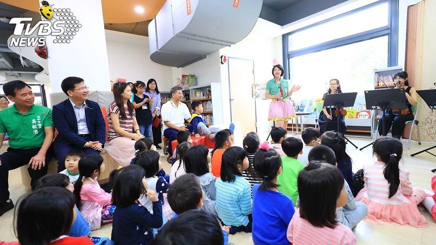 圖/中央社 終結30年違建 大甲圖書館重新開館