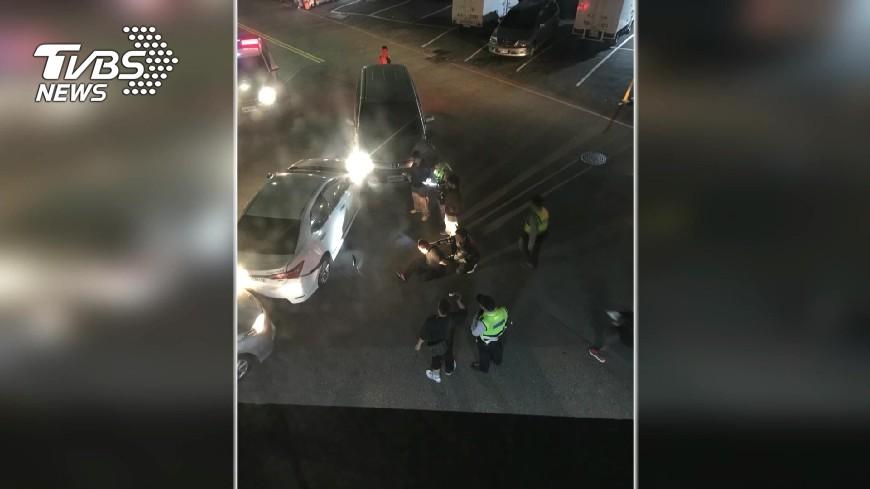 圖/TVBS 夾擊圍捕藥頭!拒捕衝撞 連開10槍制伏