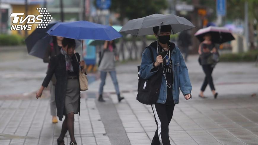 圖/TVBS資料畫面 今晚雨勢明顯 濕冷天氣持續到週末