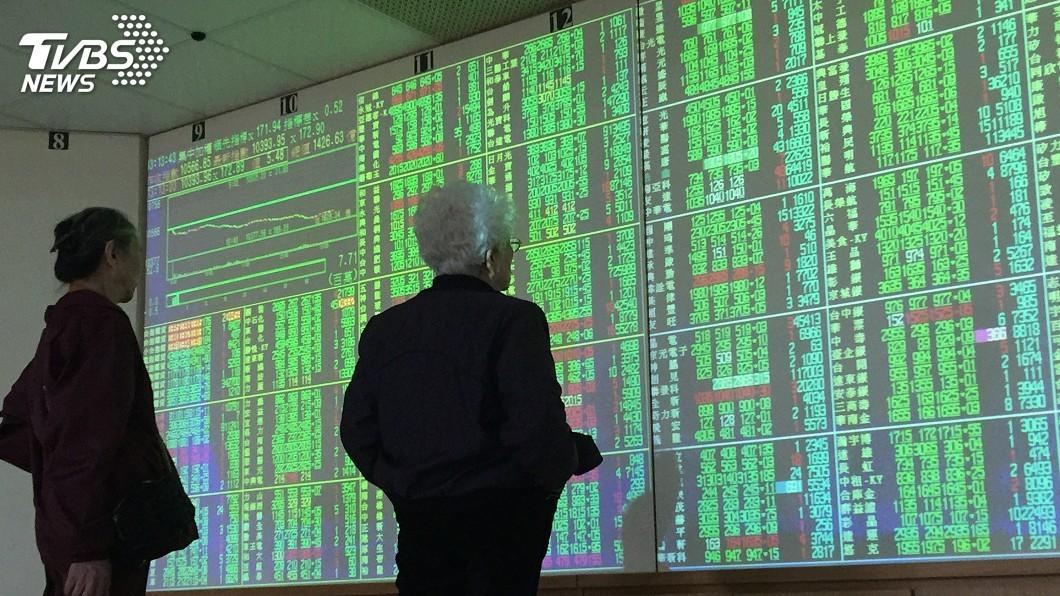圖/中央社 台股跌過頭季線有撐 法人:留意下半年成長類股
