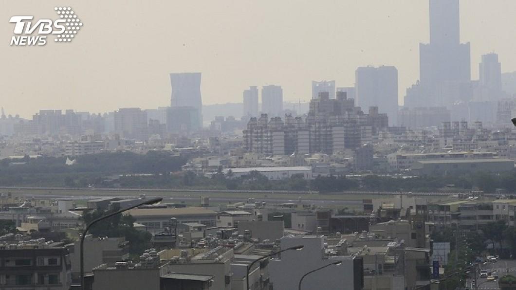 圖/中央社 口罩戴上!擴散條件差 西半部空氣品質恐淪陷