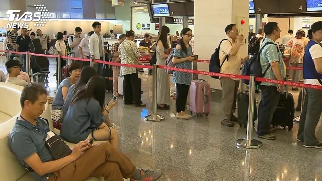 圖/TVBS 桃機3個讚  客貨運量航機架次創歷史新高