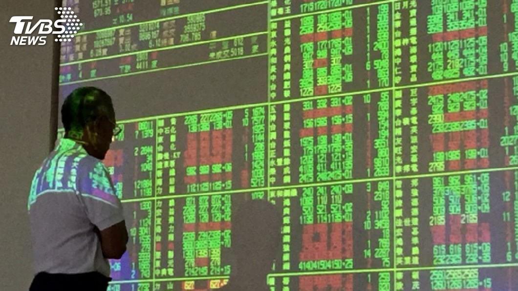 圖/中央社 外資上週賣超近480億 面板雙虎再遭倒貨