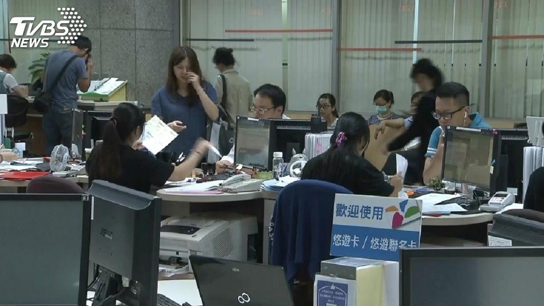 圖/TVBS 公務人員休假「以時計假」 18日起生效