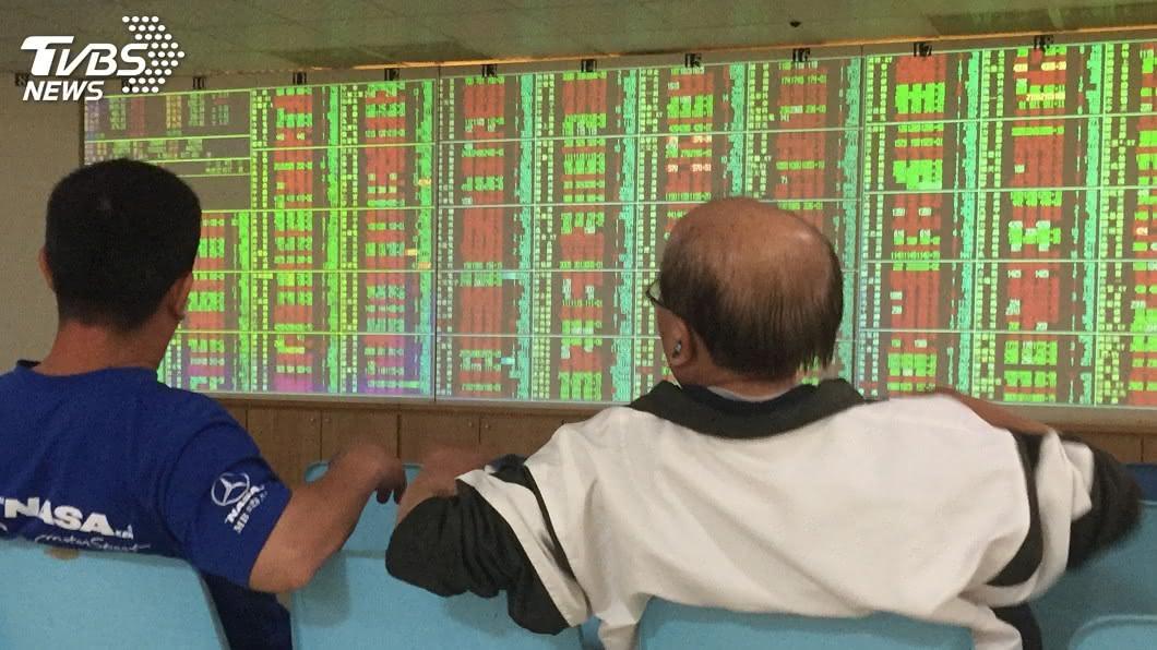 (圖/中央社) 台積電翻黑拖累 台股漲勢收斂上漲68點