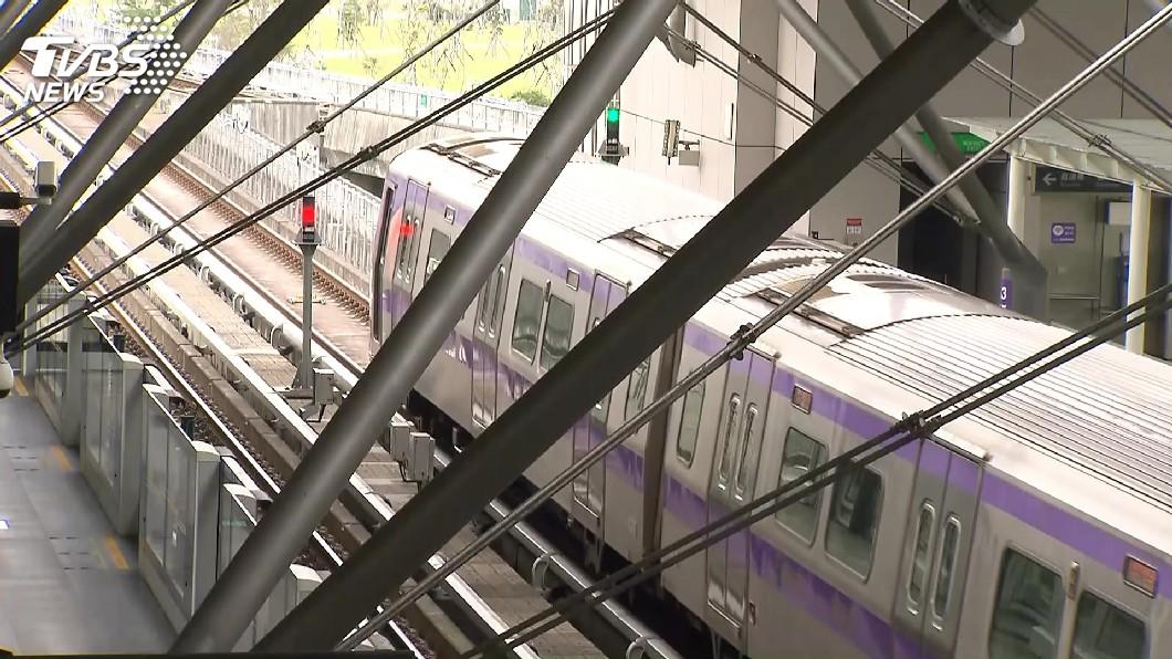 圖/TVBS 海空運船航班部分取消 國道省道機捷受影響