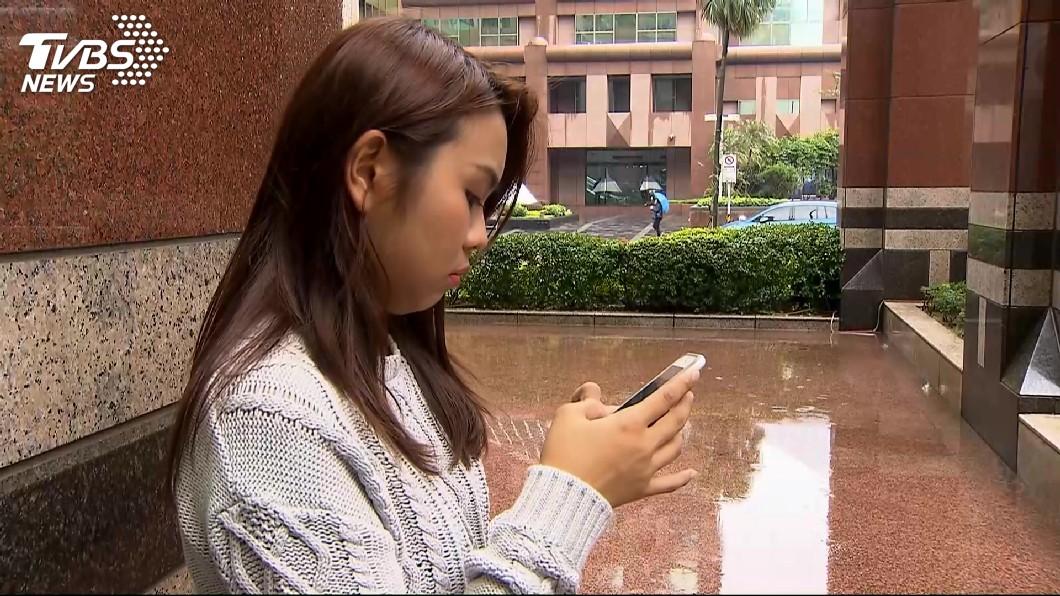 非當事人。圖/TVBS資料畫面 上課滑手機!老師一個「過肩摔」壓制學生