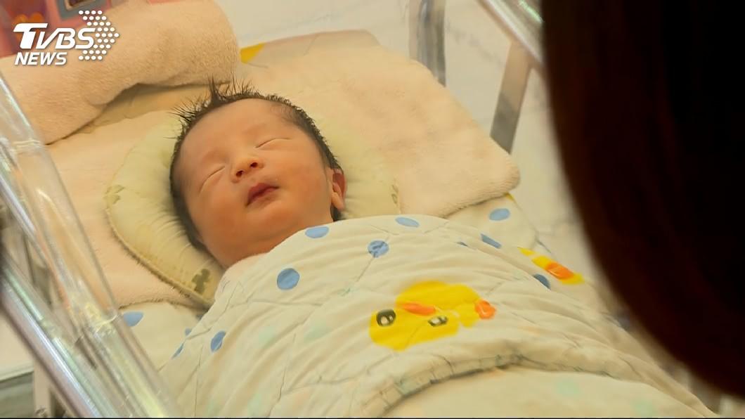圖/TVBS 高齡少子女化影響 公務員育嬰侍親留職停薪增