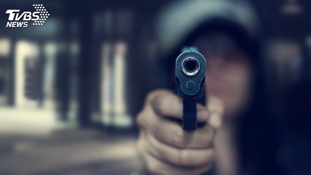 示意圖/TVBS 持槍找前夫尋仇 女兒逃跑報警慘被母爆頭