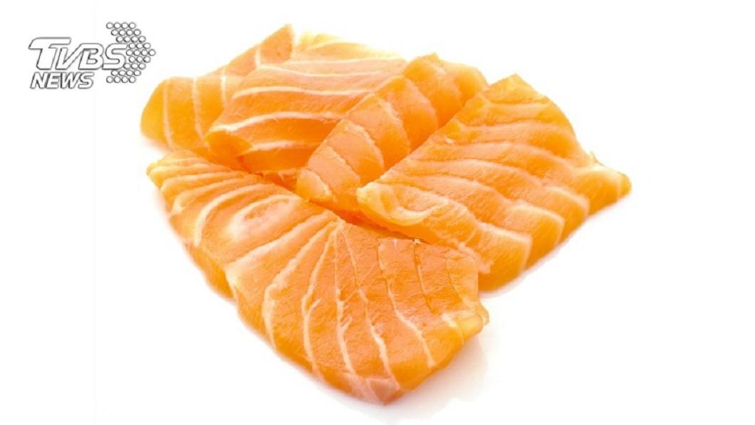示意圖/TVBS 蟲蟲危機!男天天吃生鮭魚 1.6M蟲爬出體外