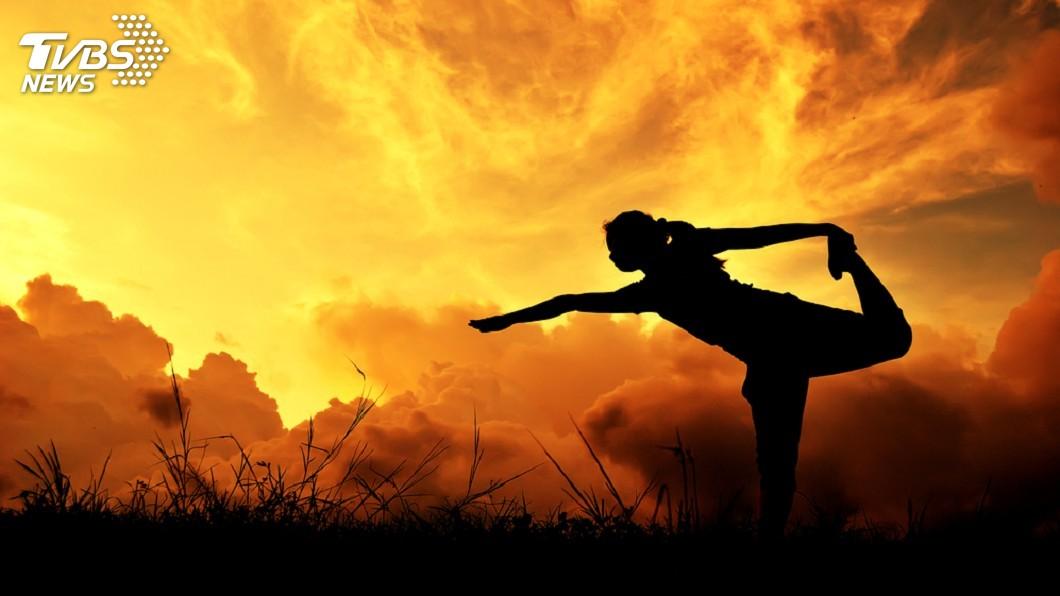 圖/TVBS 熱瑜珈沒比較健康? 研究指出飆汗未必更好