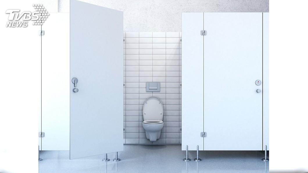 示意圖/TVBS 廁所傳來女哼歌…她嚇逃耳聞「妳聽到了吧?嘻嘻」