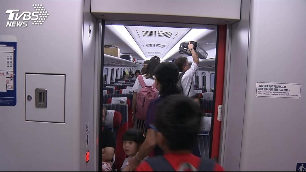 圖/TVBS資料畫面 清明東線新自強號站票 交長允諾給折扣