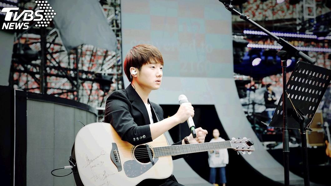 圖/大長城多媒體提供(下同) 勵志!成為《中國新歌聲》冠軍前 他在火鍋店駐唱