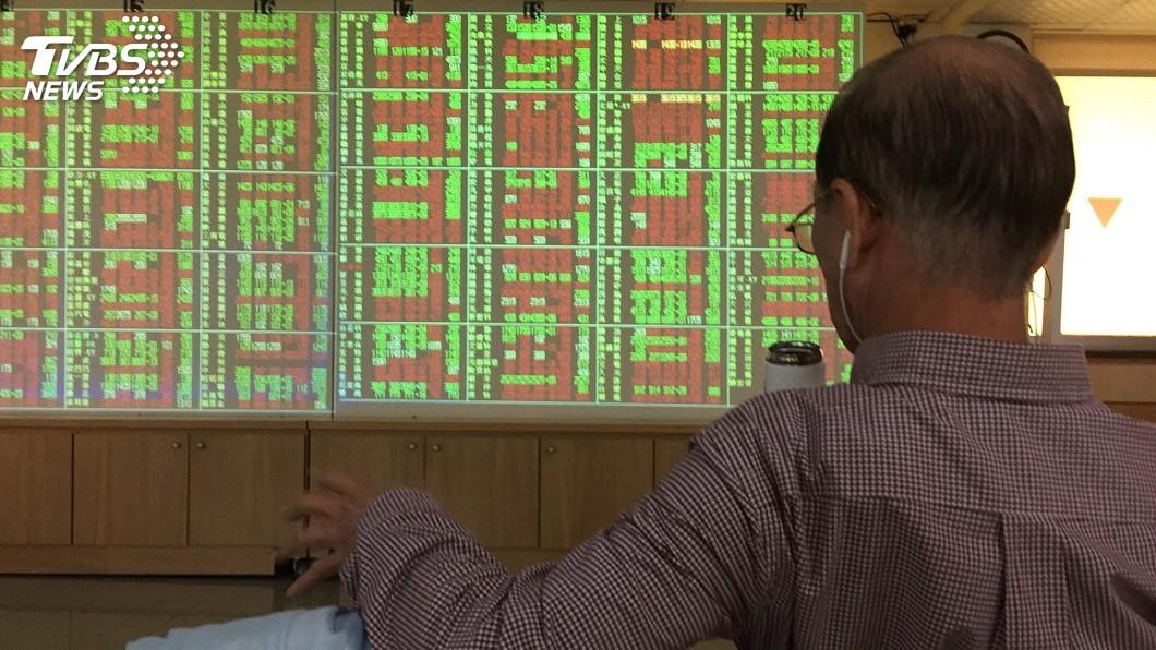 圖/中央社 台股價量齊揚漲114點 站上10400點