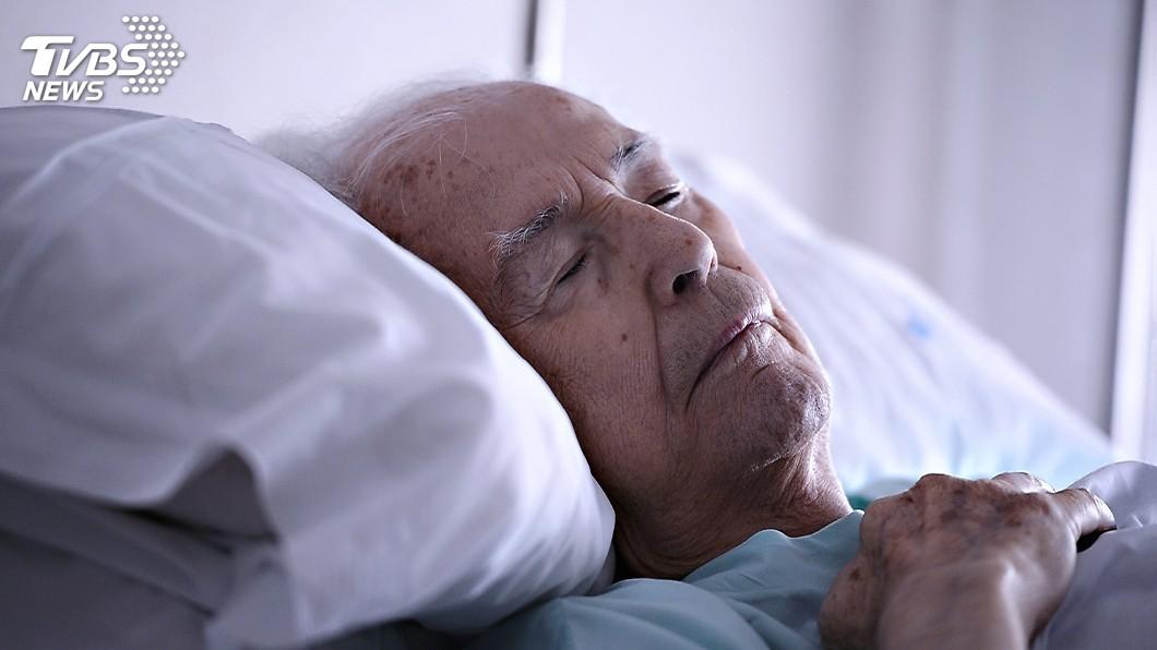 圖/TVBS 鼾聲巨響嚇醒妻 睡眠呼吸中止症搞鬼