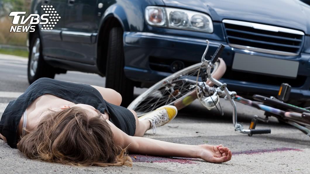 示意圖/TVBS 女車禍昏倒路邊 惡男加害「這件事」判無期