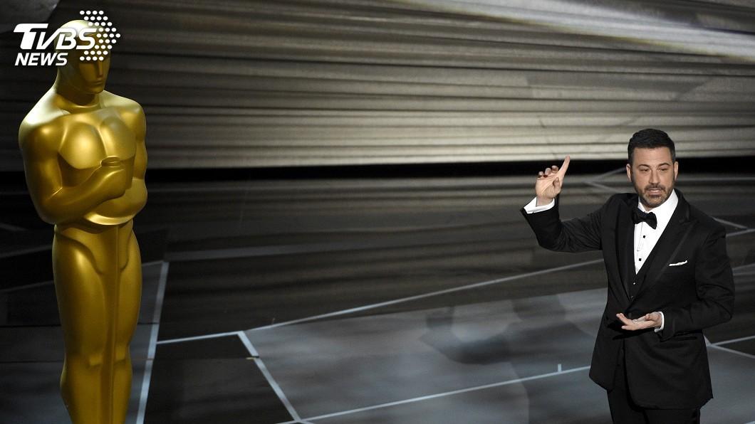 圖/達志影像美聯社 奧斯卡主持人拿信封門自嘲 嚴肅談性侵