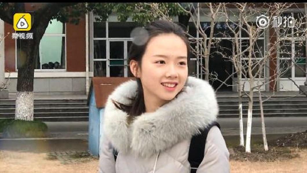 大陸山東一名18歲的女考生因為長相清秀,不少網友封為「初戀臉」。(圖/翻攝自梨視頻) 自評顏值4、5分 山東妹子「初戀臉」讓網友暴動了