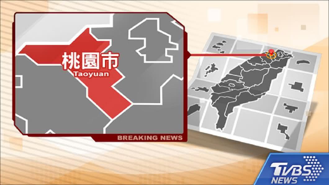 圖/TVBS 桃園一工廠儲槽氣爆 不明液體傾盆而下嚇壞路過民眾