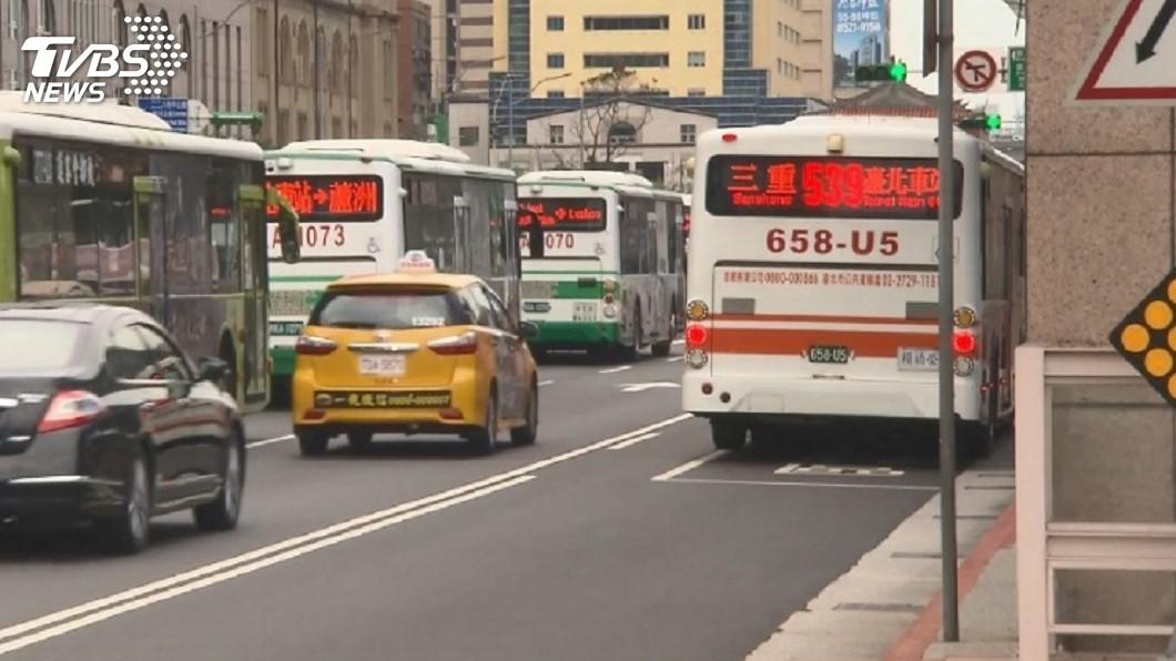 示意圖/TVBS 客運徵司機...到高雄秒砍1.5萬 網嘆:成三等公民