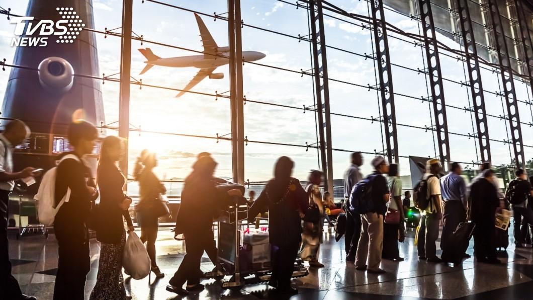 泰國民航局公告,7/1起載有11種類型旅客的班機可以入境。(示意圖/TVBS) 泰國放寬防疫管制 載有11類旅客班機可入境