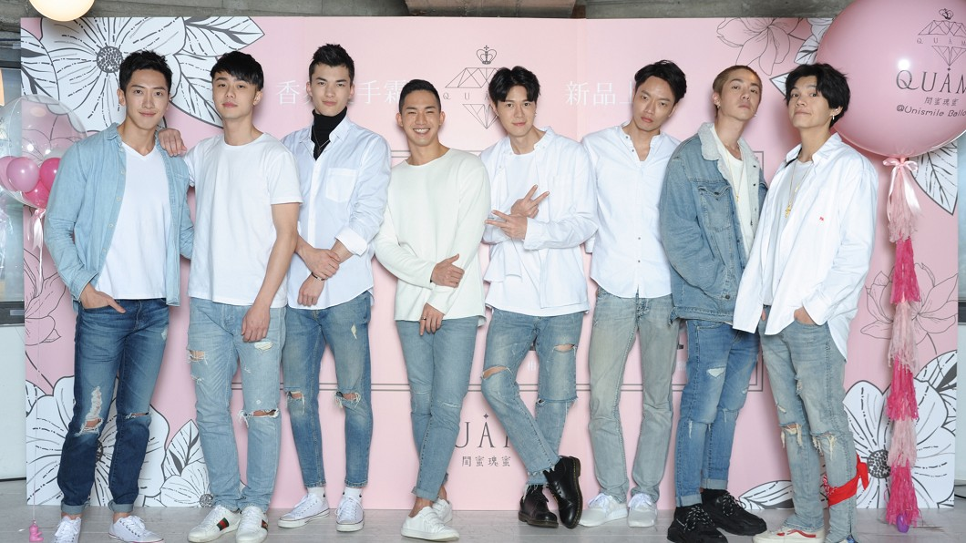 圖/伊林娛樂提供(下同) 「幻想男友」白襯衫帥氣亮相 見面會這招勾女粉絲