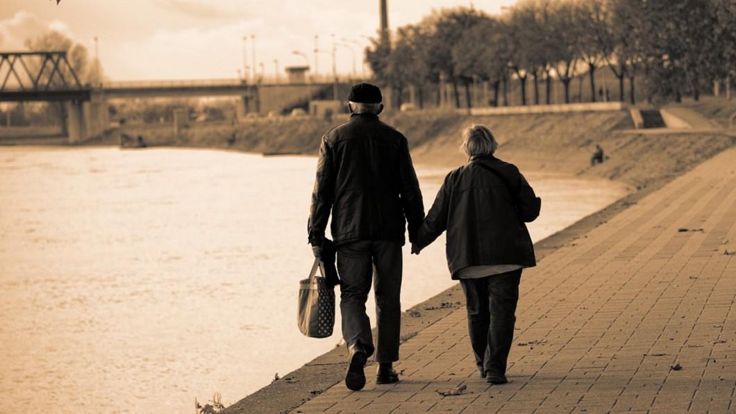 圖/Kkday 52年的暖心告白…愛妻離世前留「七日願望」催淚