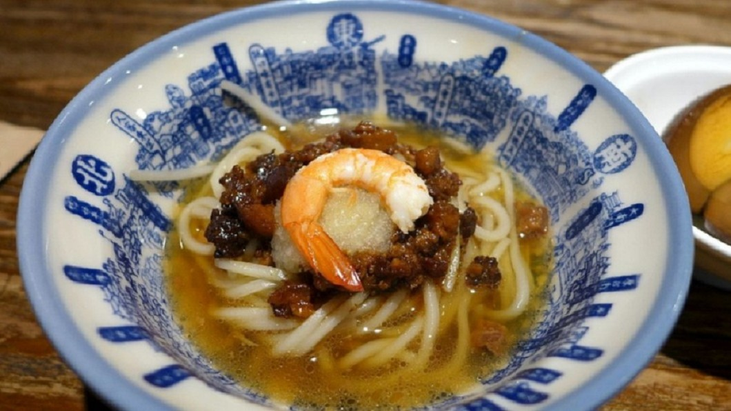 擔仔麵和碗粿都是台南的代表性小吃。圖/翻攝維基百科,下同 米其林推台北小吃!他酸「真美食在台南」 網掀南北大戰