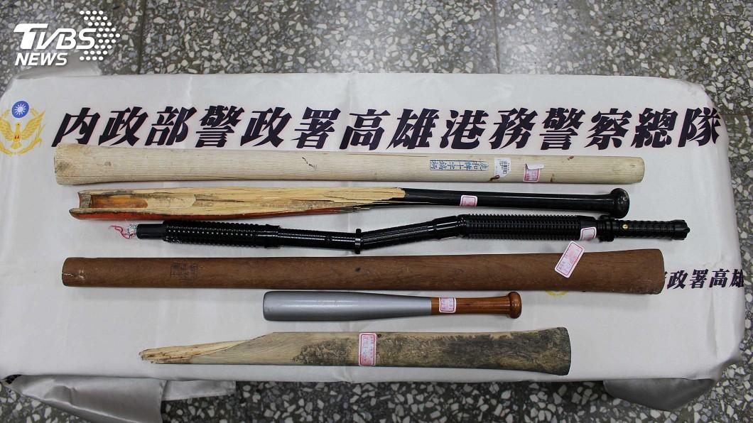 圖/中央社 高雄港魚貨買賣糾紛砸車恐嚇 警逮嫌法辦