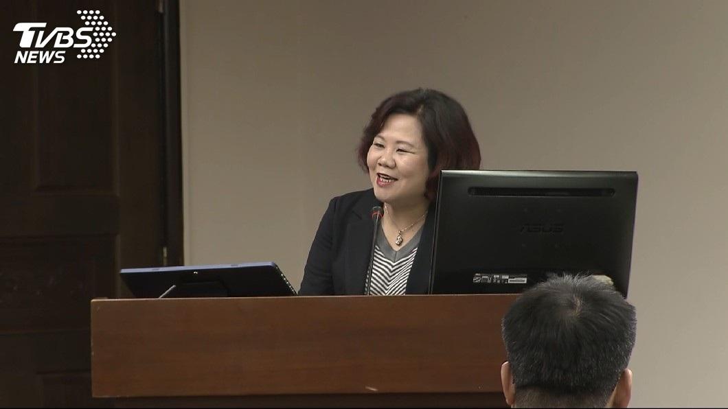 新任勞動部長許銘春正好上任1個月,今天進行立院備詢處女秀。(圖/TVBS)
