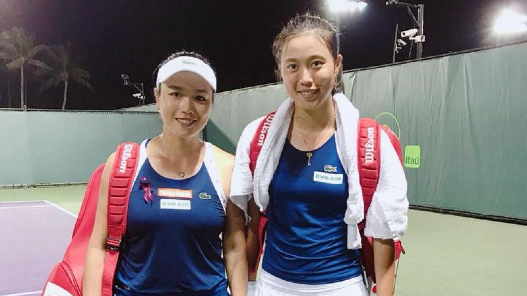 圖/翻攝自 詹詠然 Latisha Chan 臉書 美國網球公開賽 詹家姊妹混雙4強賽正面對決