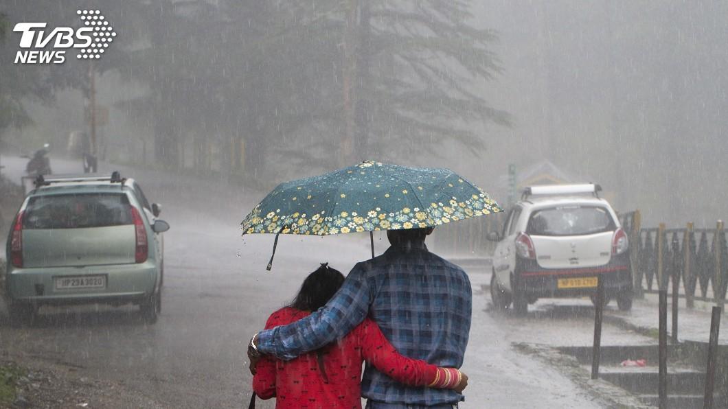 圖/達志影像美聯社 研究:人為溫室氣體排放 印度極端降雨增加