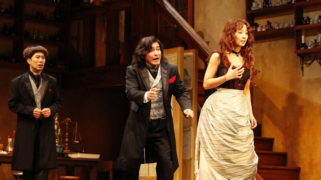 圖/中央社 三谷幸喜帶著舞台劇來了 《變身怪醫》本週登場
