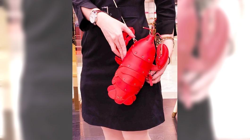 市面上出現「龍蝦包」,引起網友熱烈討論。圖/翻攝自SOGO百貨臉書